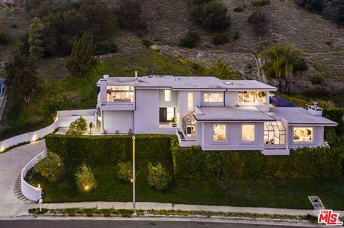 Photo of 2401 Jupiter Drive, Los Angeles, CA 90046 (MLS # 21694812)
