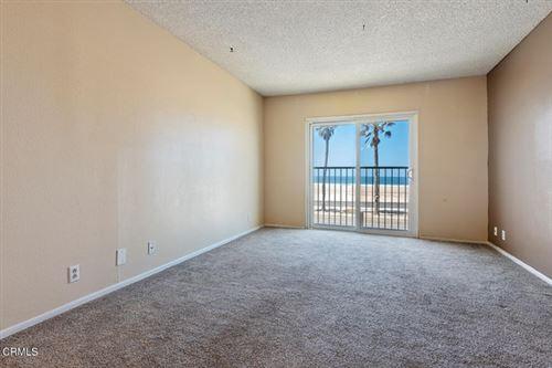 Photo of 232 E Surfside Drive, Port Hueneme, CA 93041 (MLS # V1-5812)