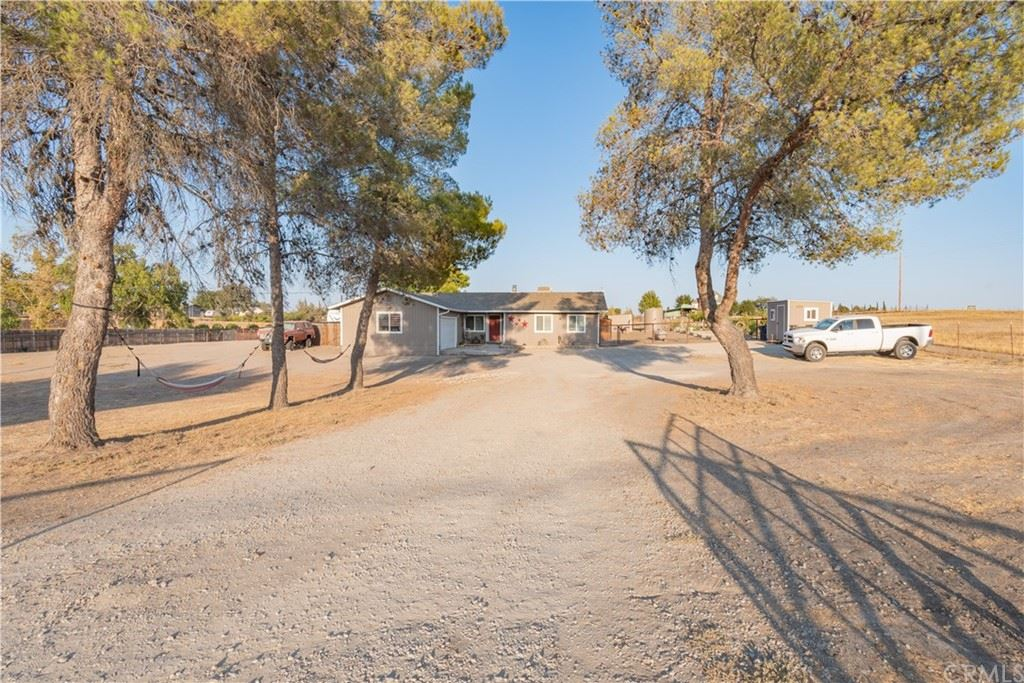 Photo of 4070 Whispering Oak Way, Paso Robles, CA 93446 (MLS # NS21199813)