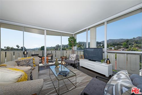 Photo of 4455 LOS FELIZ Boulevard #708, Los Angeles, CA 90027 (MLS # 21731814)