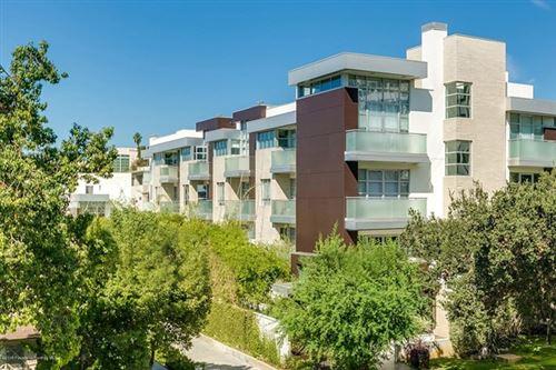 Photo of 257 S Hudson Avenue #302, Pasadena, CA 91101 (MLS # P1-2814)