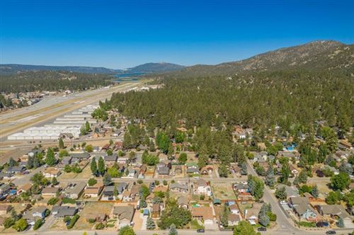 Photo of 933 Mount Doble Drive, Big Bear, CA 92314 (MLS # 525815)