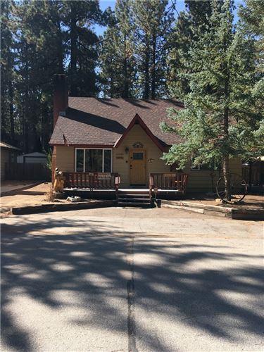Photo of 42665 Peregrine Avenue, Big Bear, CA 92315 (MLS # CV21199816)