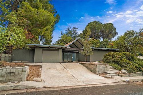 Photo of 17136 Nanette Street, Granada Hills, CA 91344 (MLS # SR21164816)
