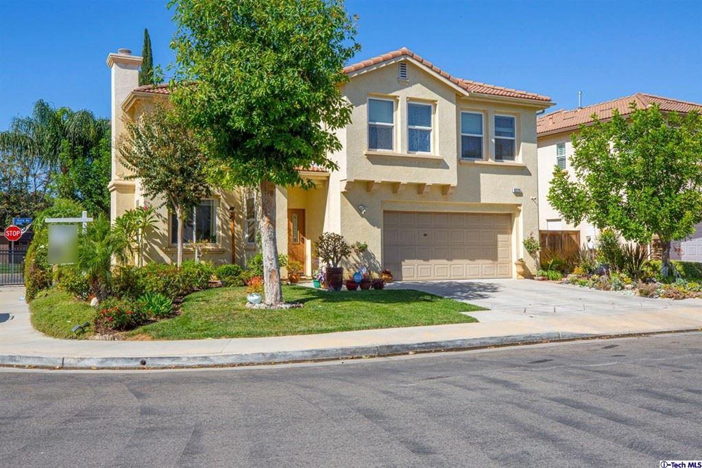 Photo for 8223 Chamberlain Lane, Reseda, CA 91335 (MLS # 320007816)