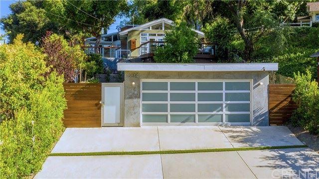 Photo of 16614 Chaplin Avenue, Encino, CA 91436 (MLS # SR20122816)