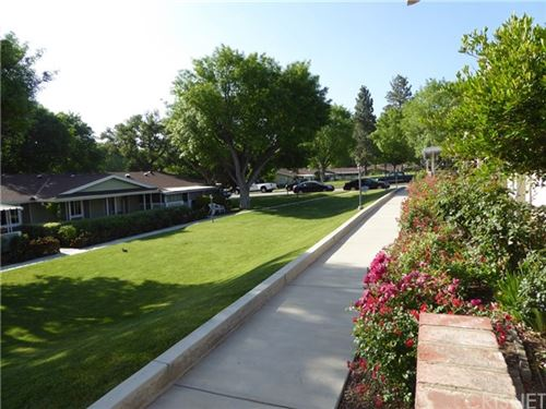 Photo of 19163 Avenue Of The Oaks #A, Newhall, CA 91321 (MLS # SR20098817)