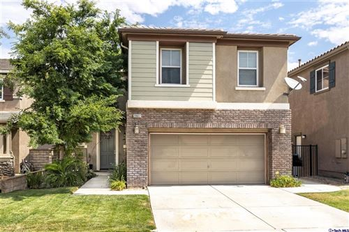 Photo of 20027 Holly Drive, Saugus, CA 91350 (MLS # 320006819)