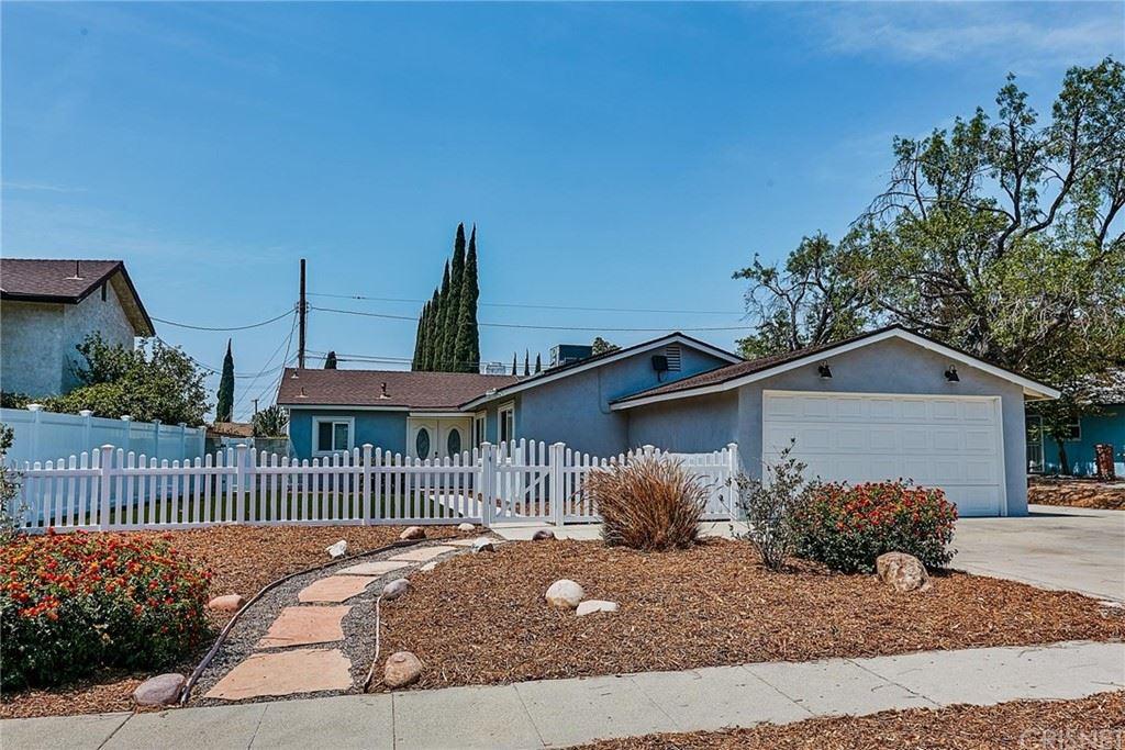 Photo of 17140 Donmetz Street, Granada Hills, CA 91344 (MLS # SR21127819)