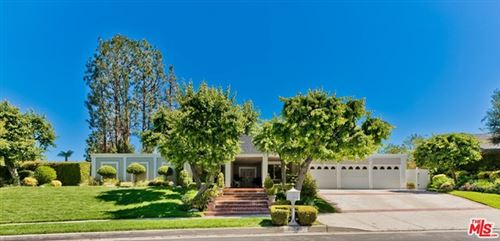 Photo of 20745 Quedo Drive, Woodland Hills, CA 91364 (MLS # 21727820)