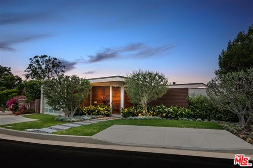 Photo of 865 Oreo Place, Pacific Palisades, CA 90272 (MLS # 21771820)