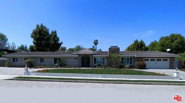Photo of 5123 Wilbur Avenue, Tarzana, CA 91356 (MLS # 21719820)