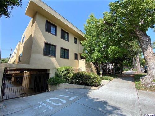 Photo of 431 Burchett Street #6, Glendale, CA 91203 (MLS # 320007822)