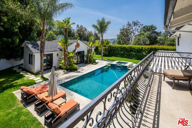 Photo of 9776 Suffolk Drive, Beverly Hills, CA 90210 (MLS # 21719822)