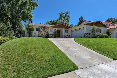 Photo of 25064 Highspring Avenue, Newhall, CA 91321 (MLS # SR20065823)
