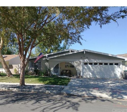 Photo of 18857 Darter Drive, Canyon Country, CA 91351 (MLS # SR21227823)