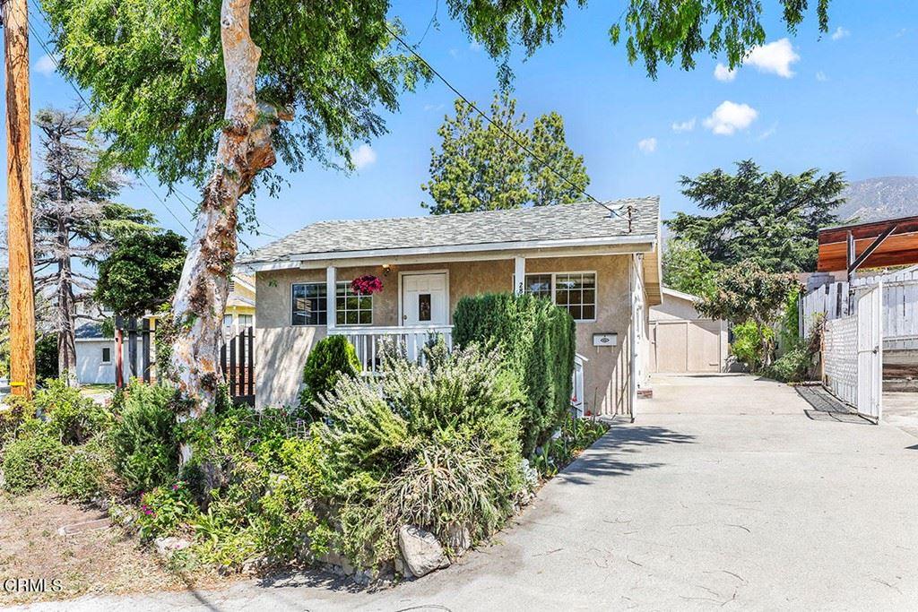 Photo of 2813 Los Olivos Lane, La Crescenta, CA 91214 (MLS # P1-4823)