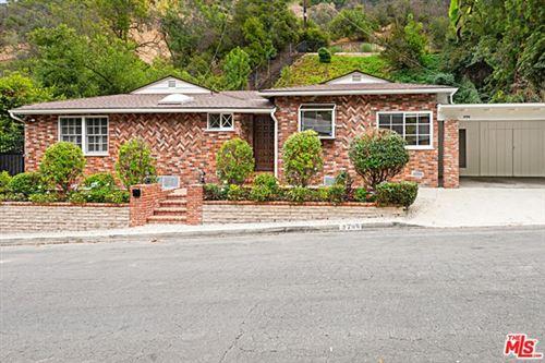 Photo of 3708 Longview Valley Road, Sherman Oaks, CA 91423 (MLS # 20647824)