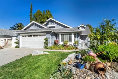 Photo of 31922 Gelding Road, Castaic, CA 91384 (MLS # SR21030824)