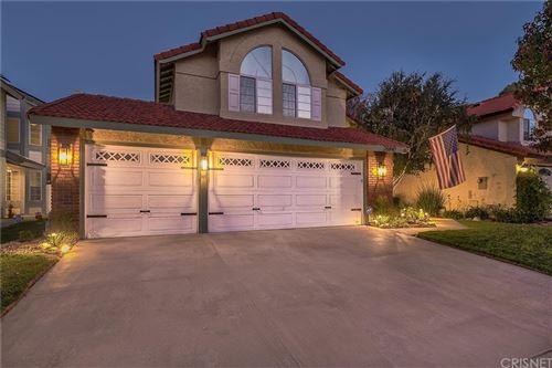 Photo of 26840 Hummingbird Circle, Canyon Country, CA 91351 (MLS # SR21226824)