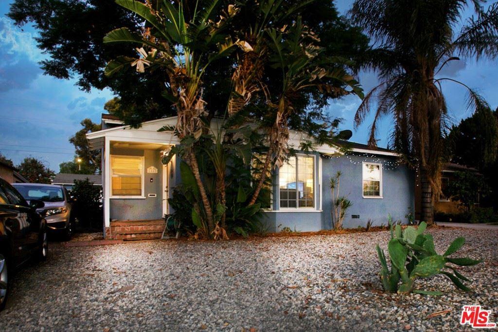 Photo of 6442 Dempsey Avenue, Lake Balboa, CA 91406 (MLS # 21784824)