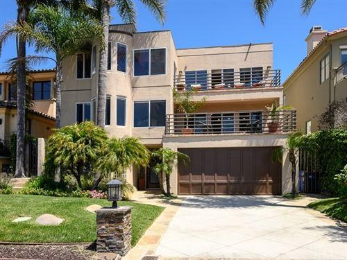 Photo of 204 N Poinsettia Avenue, Manhattan Beach, CA 90266 (MLS # SB20091825)