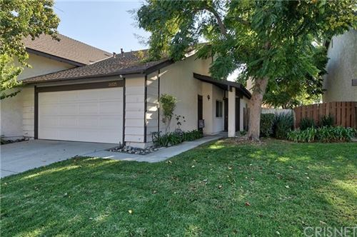 Photo of 28325 Simsalido Avenue, Canyon Country, CA 91387 (MLS # SR20216825)