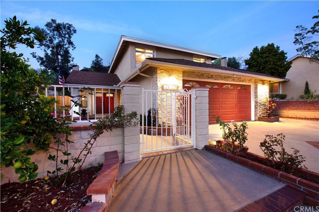 27181 Valleymont Road, Lake Forest, CA 92630 - MLS#: OC21222825