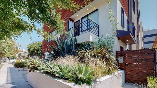 Photo of 146 S Hayworth Avenue, Los Angeles, CA 90048 (MLS # SR20197825)
