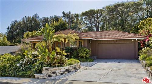Photo of 961 Jacon Way, Pacific Palisades, CA 90272 (MLS # 21712826)