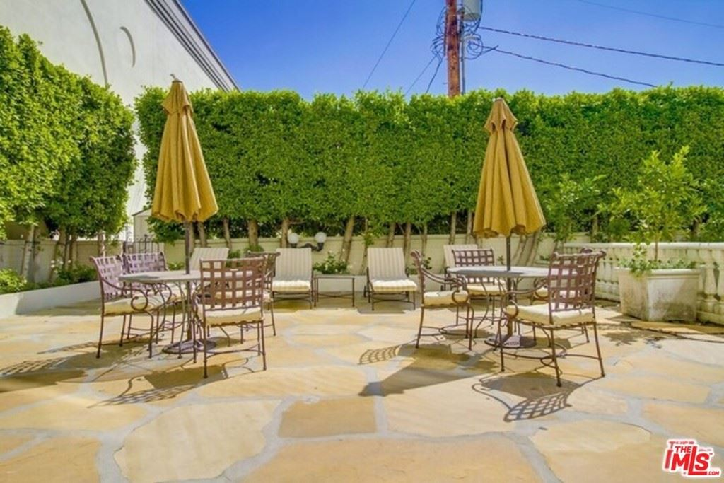 Photo of 1424 N CRESCENT HEIGHTS #60, West Hollywood, CA 90046 (MLS # 21697826)