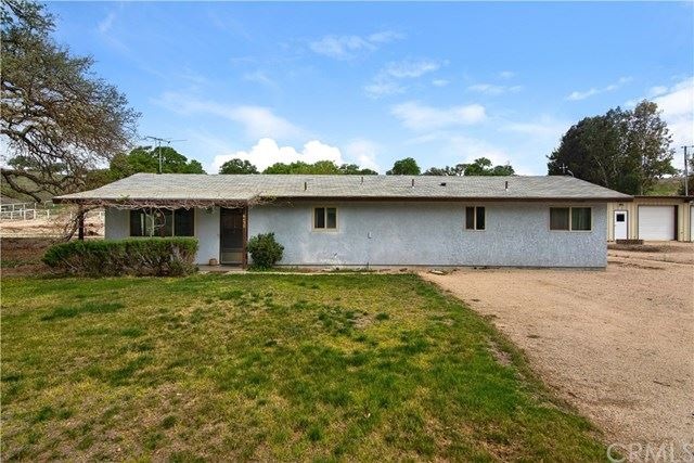Photo of 6430 Linne Road, Paso Robles, CA 93446 (MLS # IV21073826)