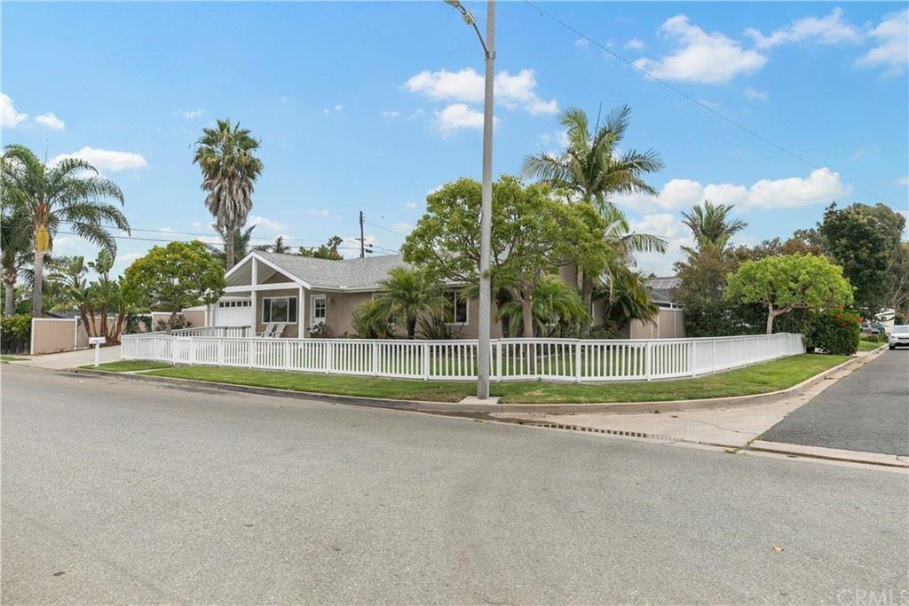 Photo for 2196 State Avenue, Costa Mesa, CA 92627 (MLS # OC21183826)