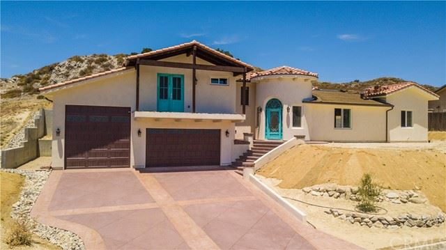 Photo of 2165 Holly Drive, Paso Robles, CA 93446 (MLS # NS21113827)