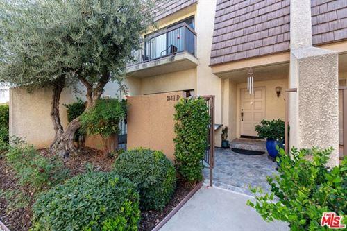 Photo of 18411 Collins Street #D, Tarzana, CA 91356 (MLS # 20653828)