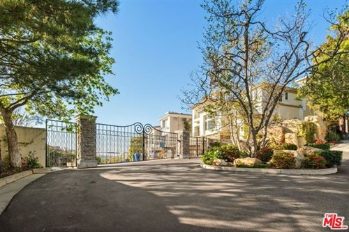 Photo of 16656 Calle Haleigh, Pacific Palisades, CA 90272 (MLS # 21714828)