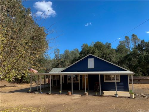 Photo of 5411 Seven Oaks Way, Santa Margarita, CA 93453 (MLS # SC21218828)