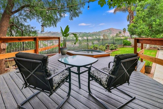 Photo for 29009 Gumtree Place, Saugus, CA 91390 (MLS # 220009828)