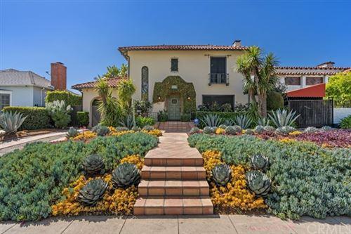 Photo of 437 N Highland Avenue, Los Angeles, CA 90036 (MLS # EV21046829)
