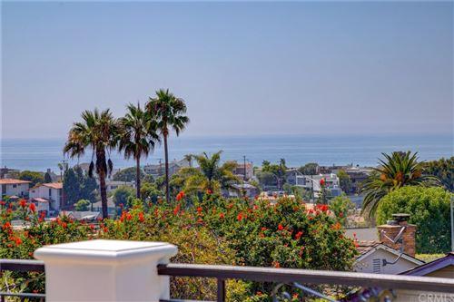 Photo of 2720 El Oeste Drive, Hermosa Beach, CA 90254 (MLS # SB21232829)