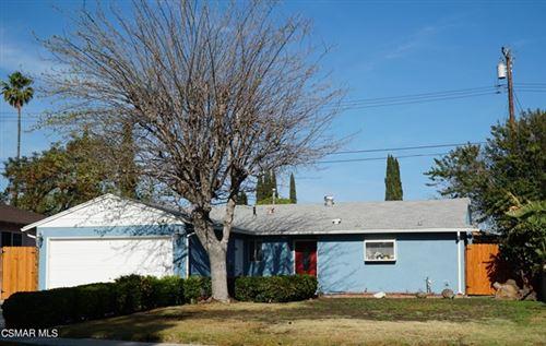 Photo of 2172 Clover Street, Simi Valley, CA 93065 (MLS # 221001830)