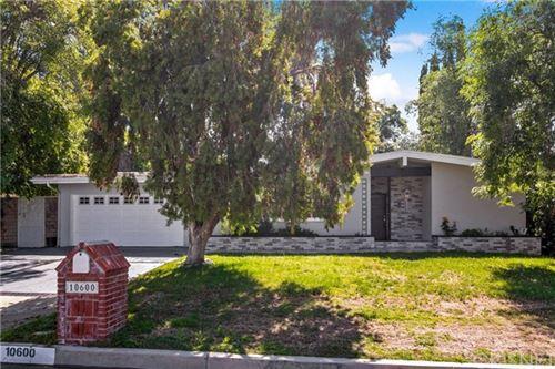 Photo of 10600 Overman Avenue, Chatsworth, CA 91311 (MLS # SR20006830)