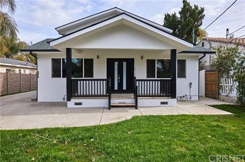 Photo of 5912 Calvin Avenue, Tarzana, CA 91356 (MLS # SR21030830)