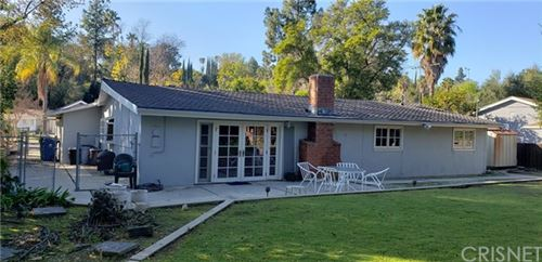 Photo of 5646 Oso Avenue, Woodland Hills, CA 91367 (MLS # SR20013831)