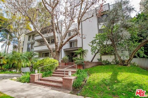 Photo of 406 N OAKHURST Drive #203, Beverly Hills, CA 90210 (MLS # 20557832)