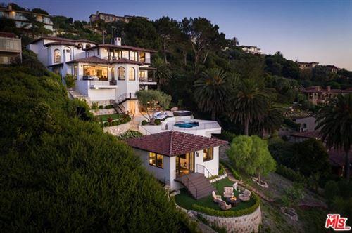 Photo of 824 Via Del Monte, Palos Verdes Estates, CA 90274 (MLS # 20608832)