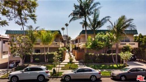 Photo of 3557 Jasmine Avenue, Los Angeles, CA 90034 (MLS # 21759832)