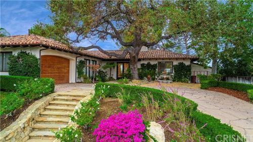 Photo of 949 El Segundo Drive, Thousand Oaks, CA 91362 (MLS # SR20226832)