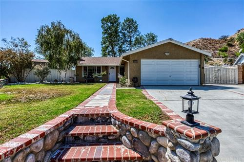 Photo of 14614 Rosecourt Drive, Canyon Country, CA 91387 (MLS # SR21206833)