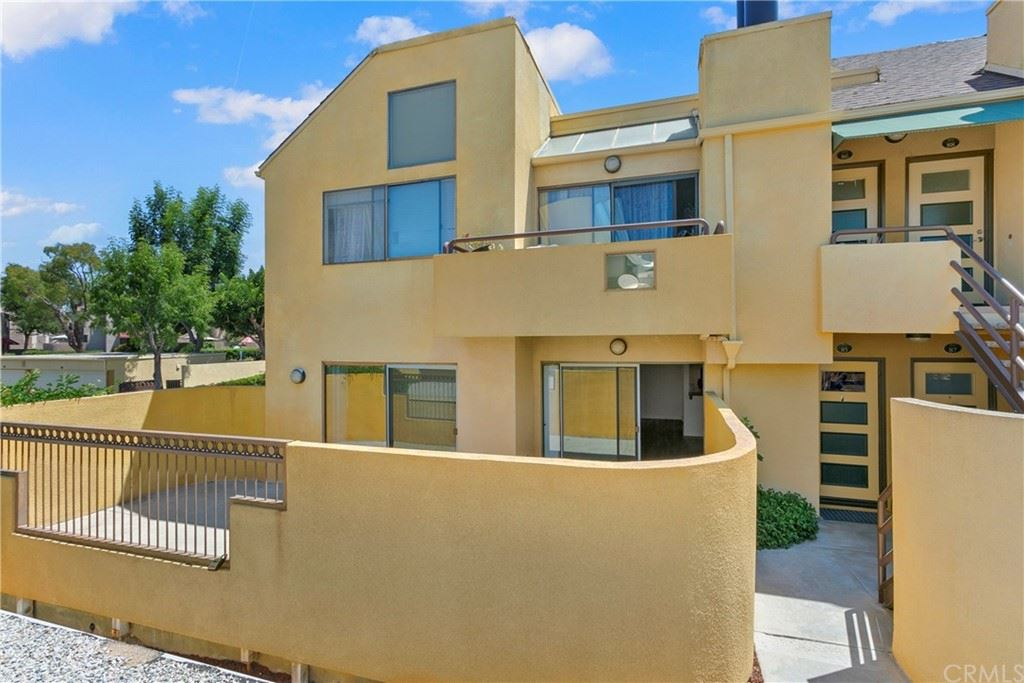 Photo of 25712 Le Parc #85, Lake Forest, CA 92630 (MLS # PW21159833)